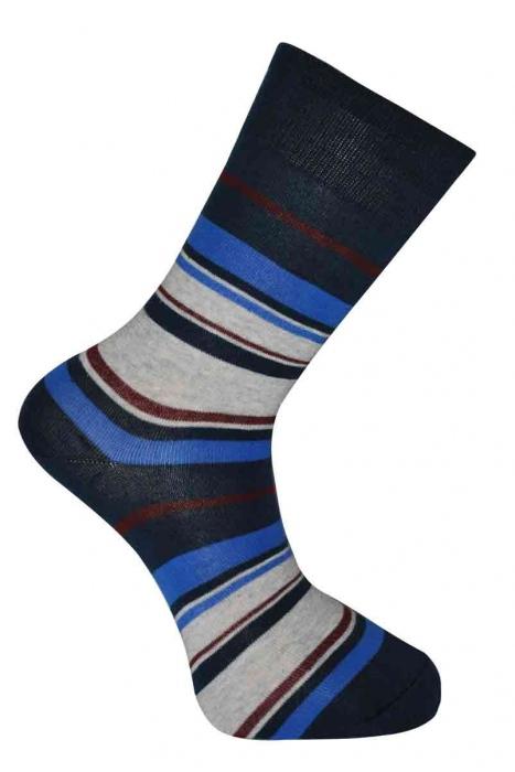 Les motifs des chaussettes en coton classique de la femme