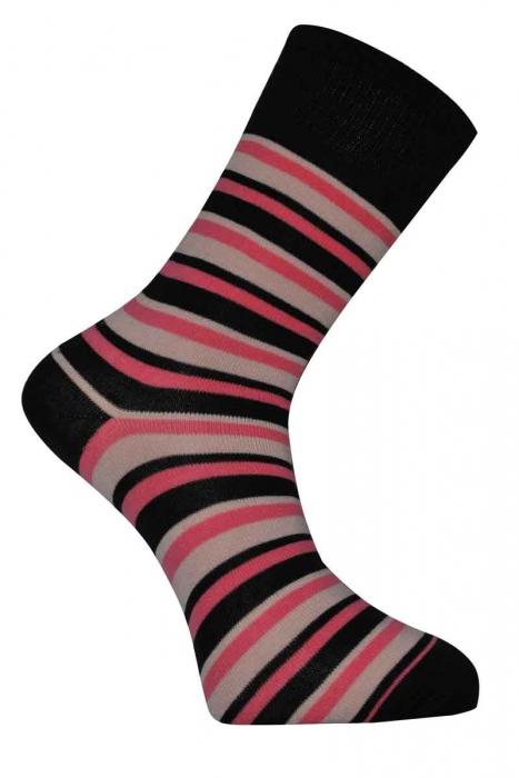 chaussettes en laine classique de la femme